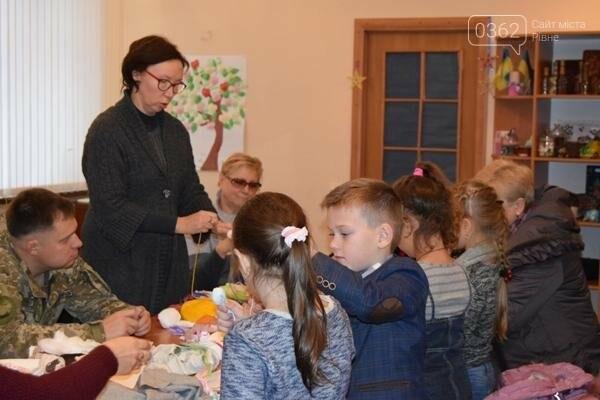 На Луганщині  військовослужбовці разом із дітьми вчились національним традиціям  , фото-4