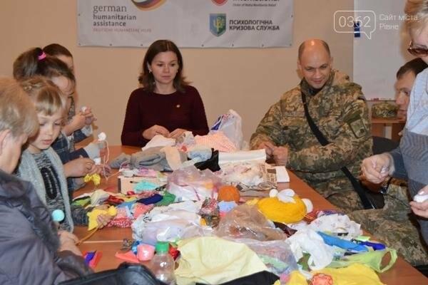 На Луганщині  військовослужбовці разом із дітьми вчились національним традиціям  , фото-2