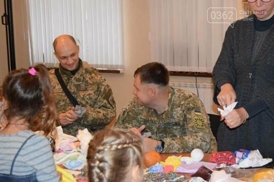 На Луганщині  військовослужбовці разом із дітьми вчились національним традиціям  , фото-5