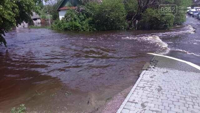 На Рівненщині відкачують воду та оцінюють збитки від підтоплень (ФОТО) , фото-1