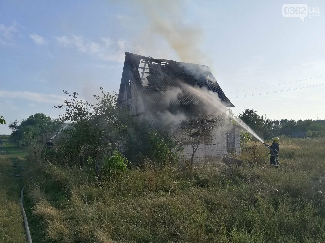 На Рівненщині горіла дача (ФОТО)  , фото-1