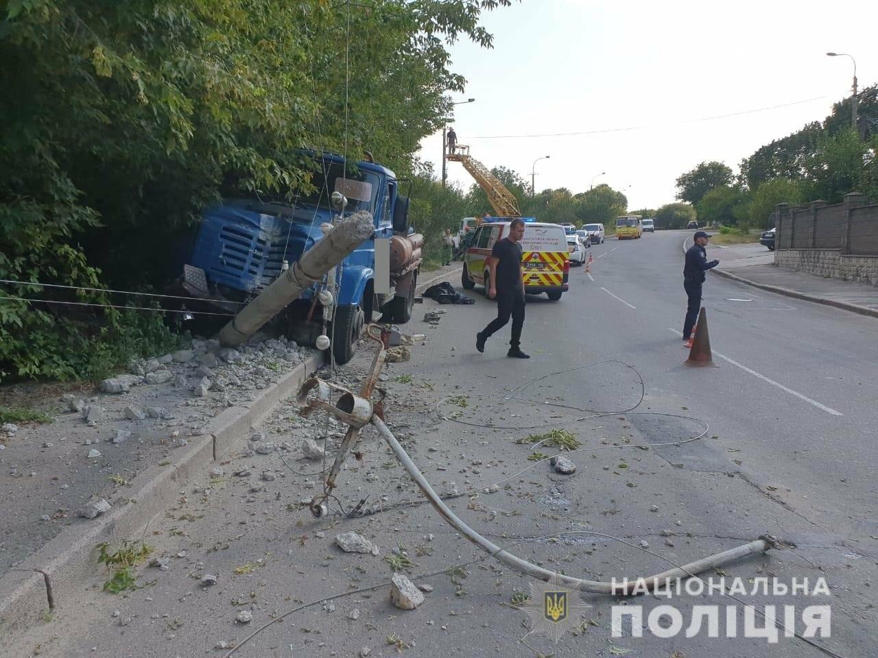 У поліції розповіли деталі смертельної ДТП у Рівному (ФОТО), фото-1