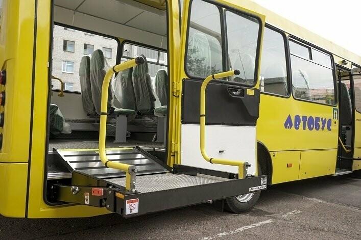 Чотири опорні школи отримають «особливі» шкільні автобуси, фото-1