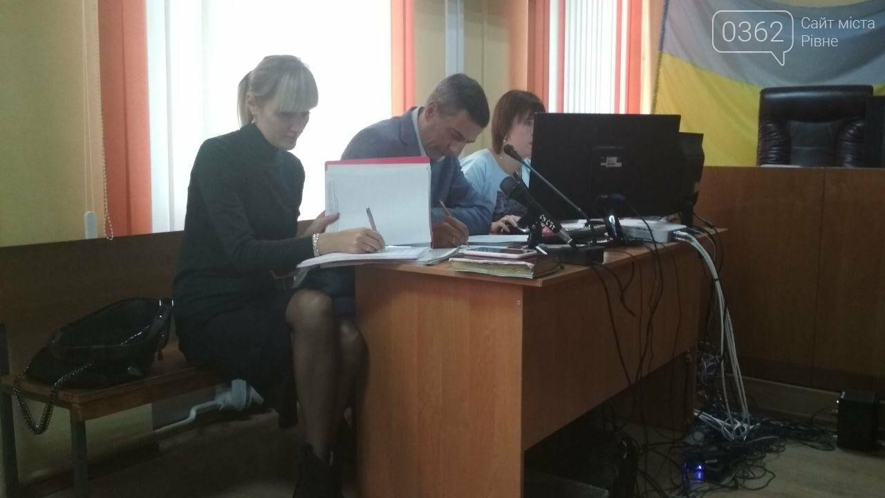 Адвокат Вишинського, який поїхав до Росії за обміном «35 на 35», захищав у суді рівненську лікарку (ФОТО)   , фото-4