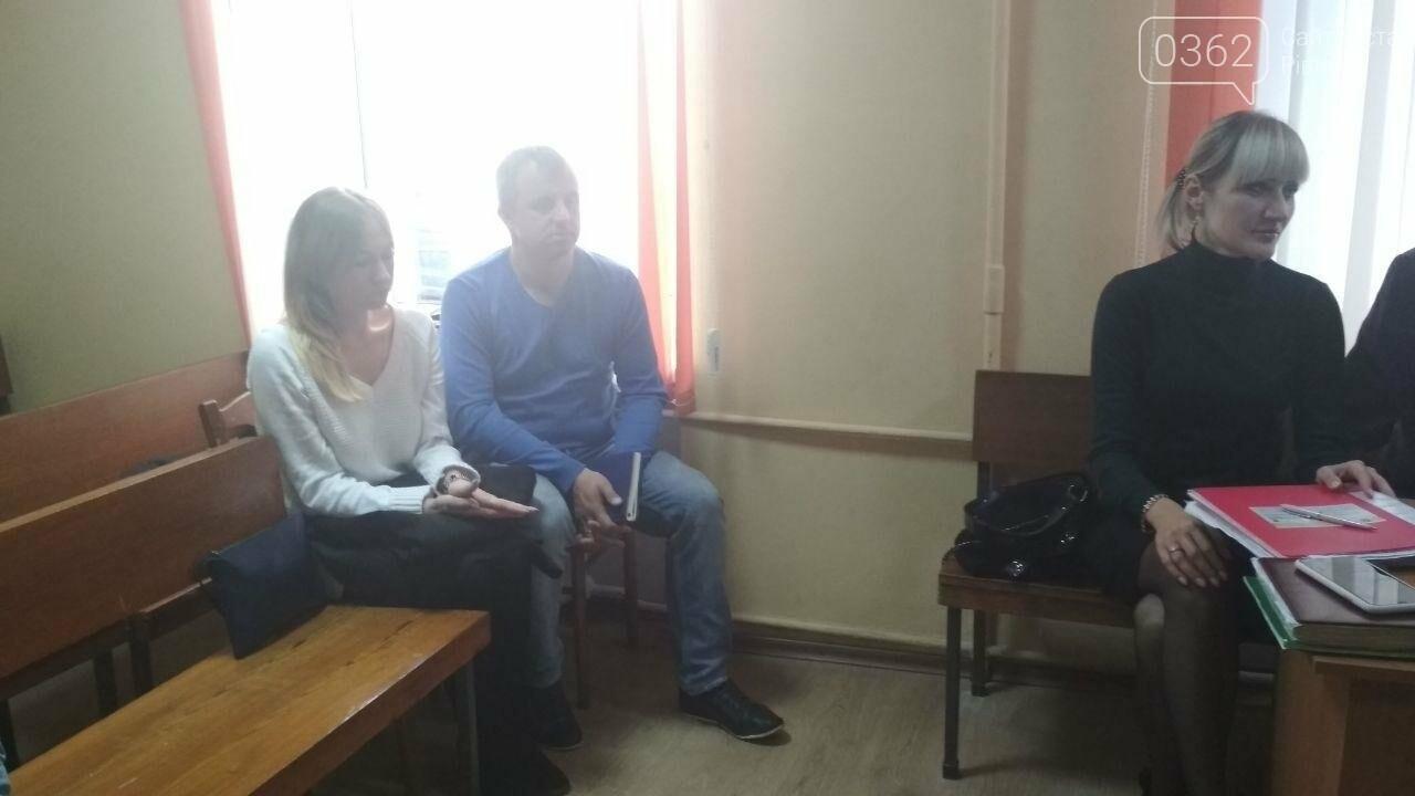 Адвокат Вишинського, який поїхав до Росії за обміном «35 на 35», захищав у суді рівненську лікарку (ФОТО)   , фото-2