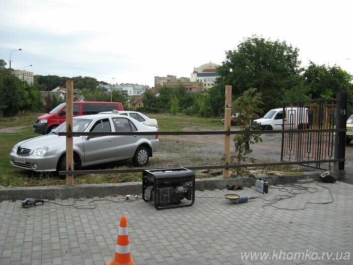У Рівному на 16 липня відкрили безкоштовну автостоянку