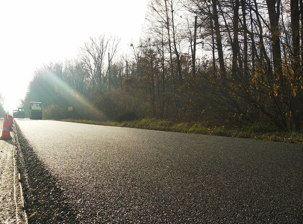На автодорозі Городище-Рівне-Старокостянтинів фрезерують дорожнє покриття (ФОТО), фото-2