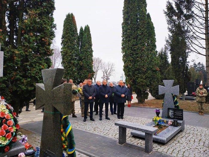 Очільники Рівного вшановували пам'ять героїв майдану та АТО, фото-2