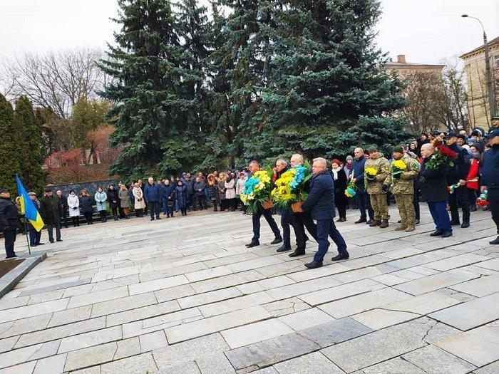 Очільники Рівного вшановували пам'ять героїв майдану та АТО, фото-3