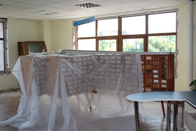 У рівненській  біблотеці  реконструкція (ФОТО), фото-1