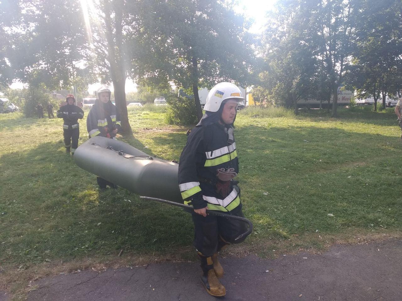 У Рівному виявили мертву людину у водоймі (ФОТО)   , фото-2