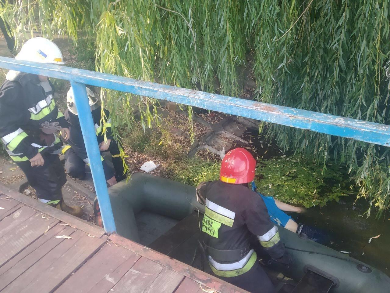 У Рівному виявили мертву людину у водоймі (ФОТО)   , фото-3