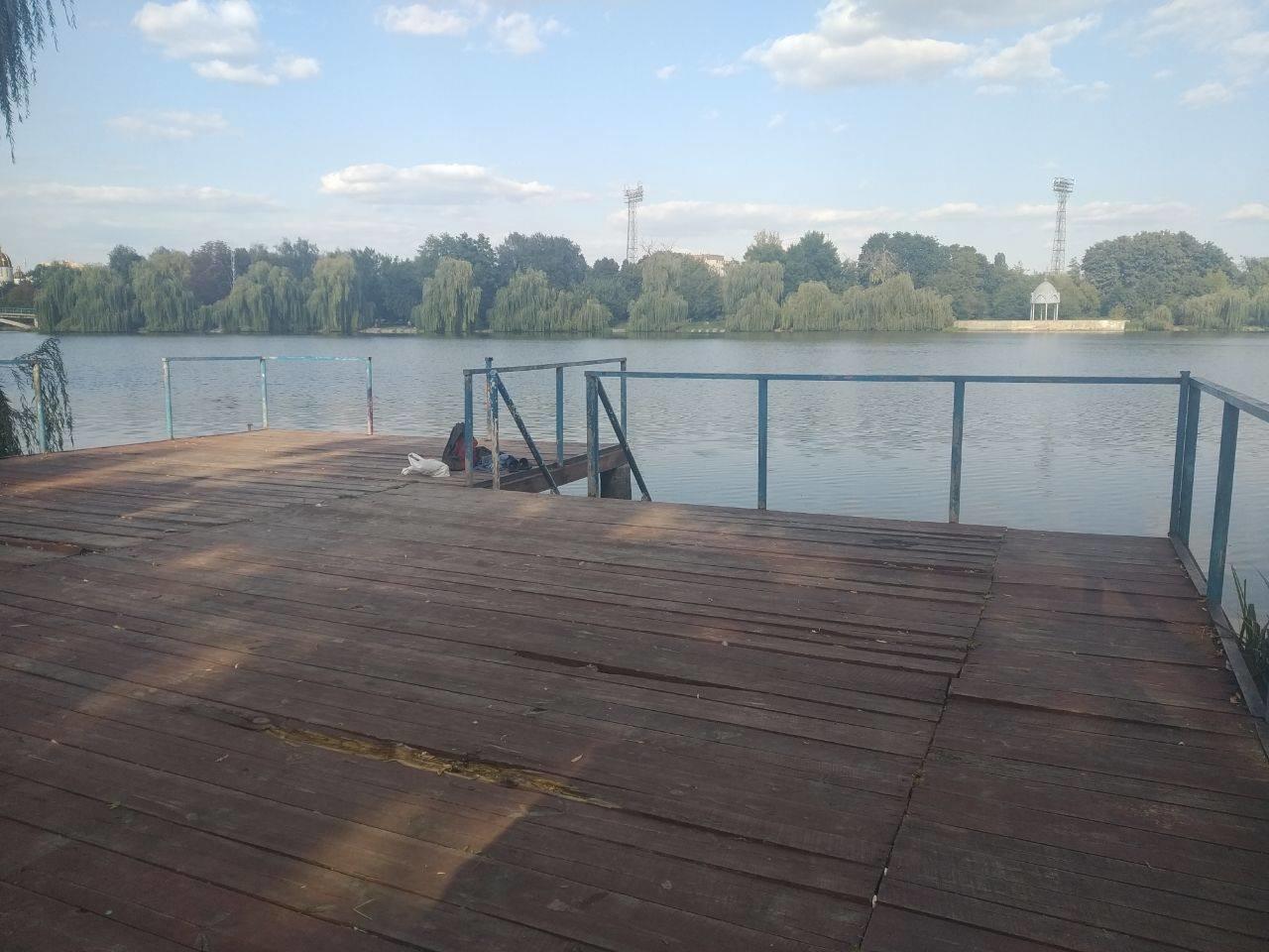 У Рівному виявили мертву людину у водоймі (ФОТО)   , фото-1