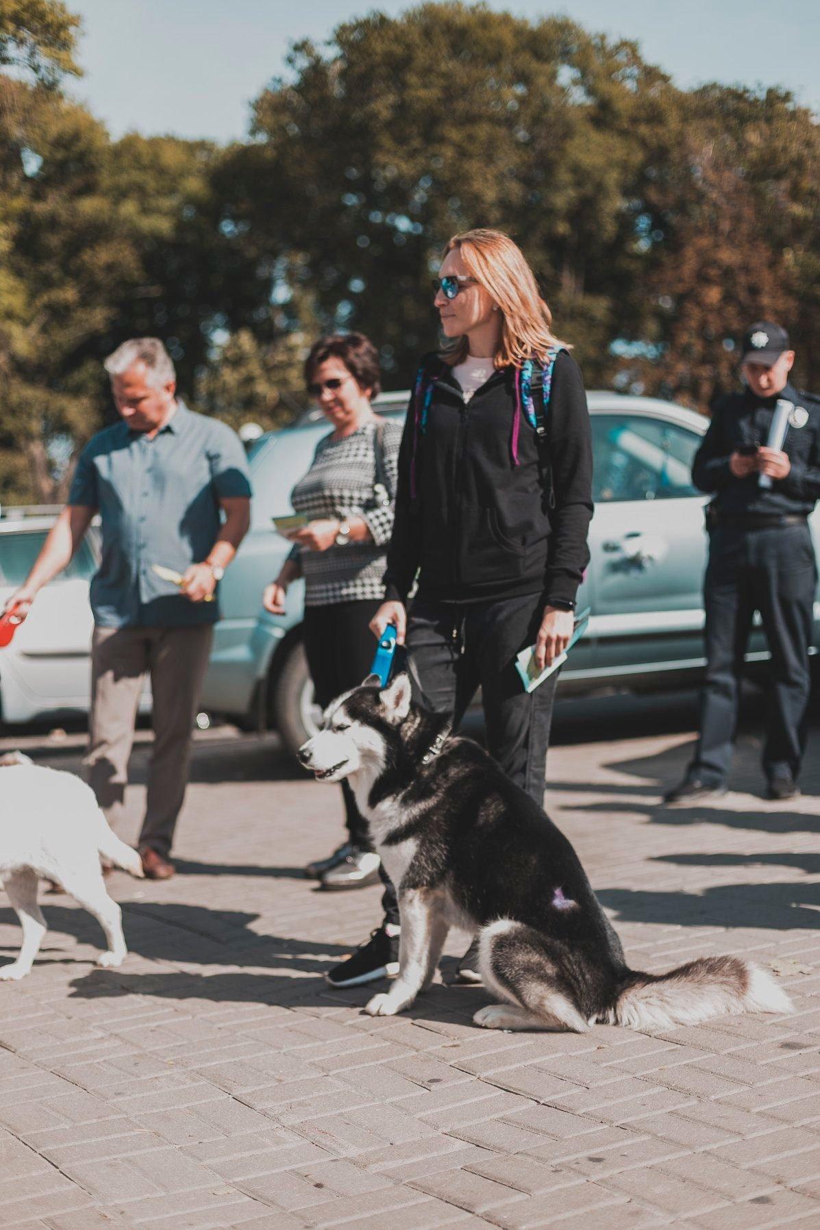 Разом з дітьми та домашніми улюбленцями: у Рівному пройшов Всеукраїнський марш за тварин (ФОТО), фото-16