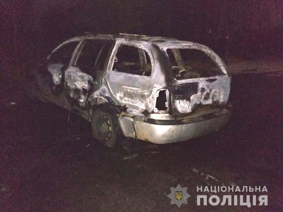 Авто могли підпалити, - поліція. На Рівненщині встановлюють обставини нічної пожежі  (ФОТО), фото-1