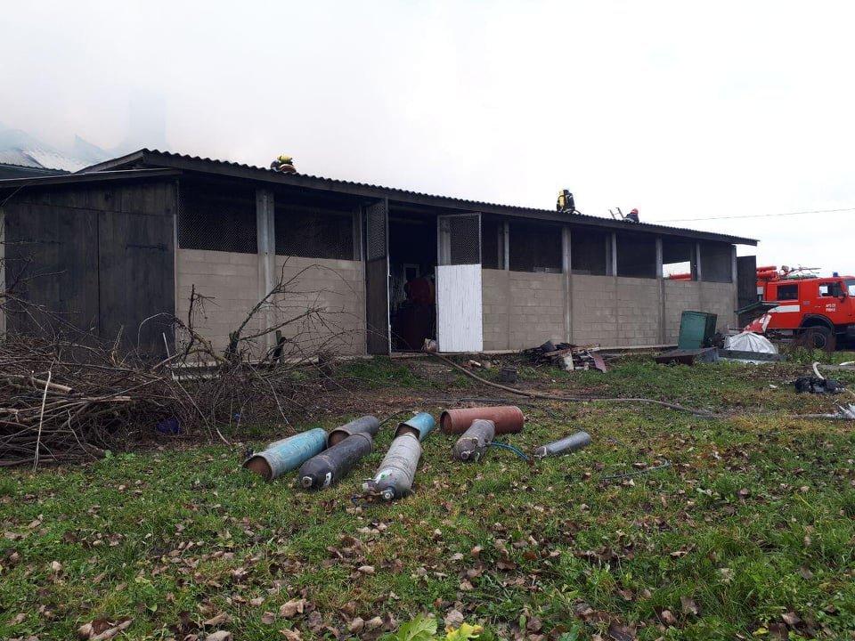 У селі Вересневе поблизу Рівного палає промислова будівля (ФОТО,ВІДЕО), фото-6