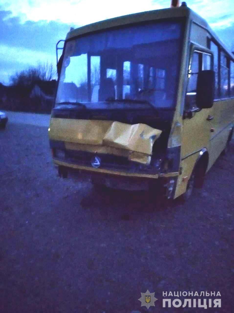 У Костополі 24-річна водійка зіткнулася зі шкільним автобусом, фото-3