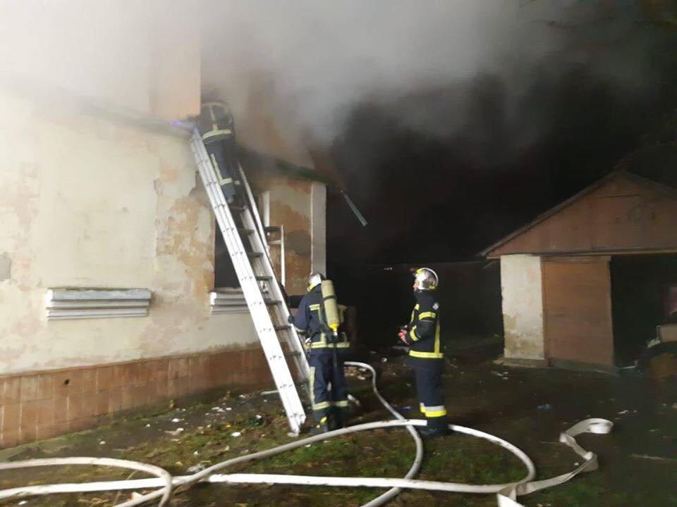 У Рівному гасили пожежу в приватному будинку (ФОТО), фото-1