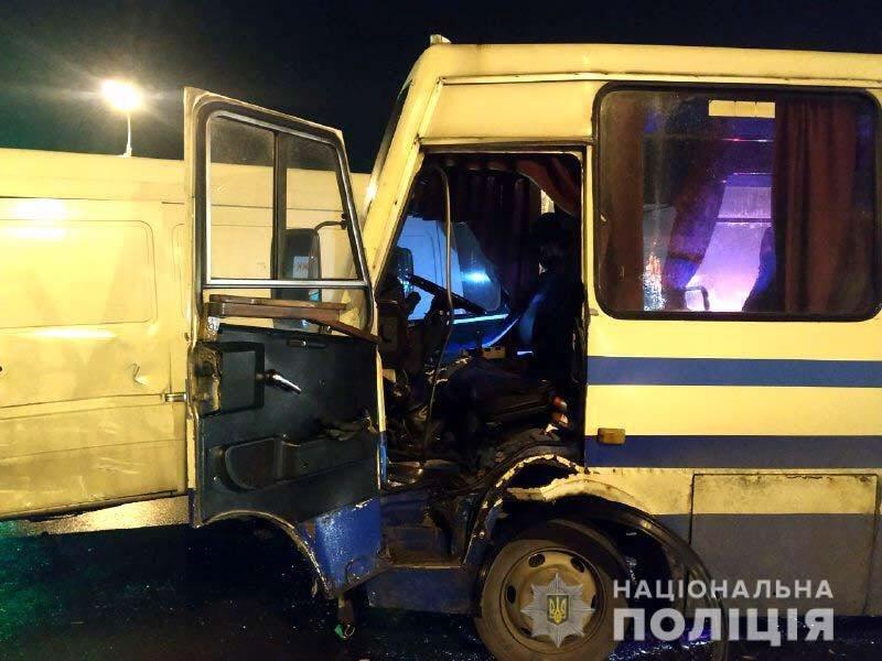 У Рівному маршрутка зіткнулася з мікроавтобусом (ФОТО)  , фото-1