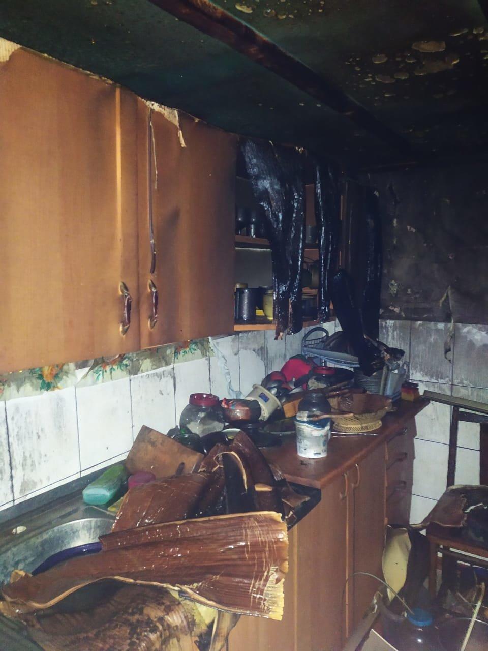 Корецький район: вогнеборці ліквідували пожежу в літній кухні (ФОТО), фото-2