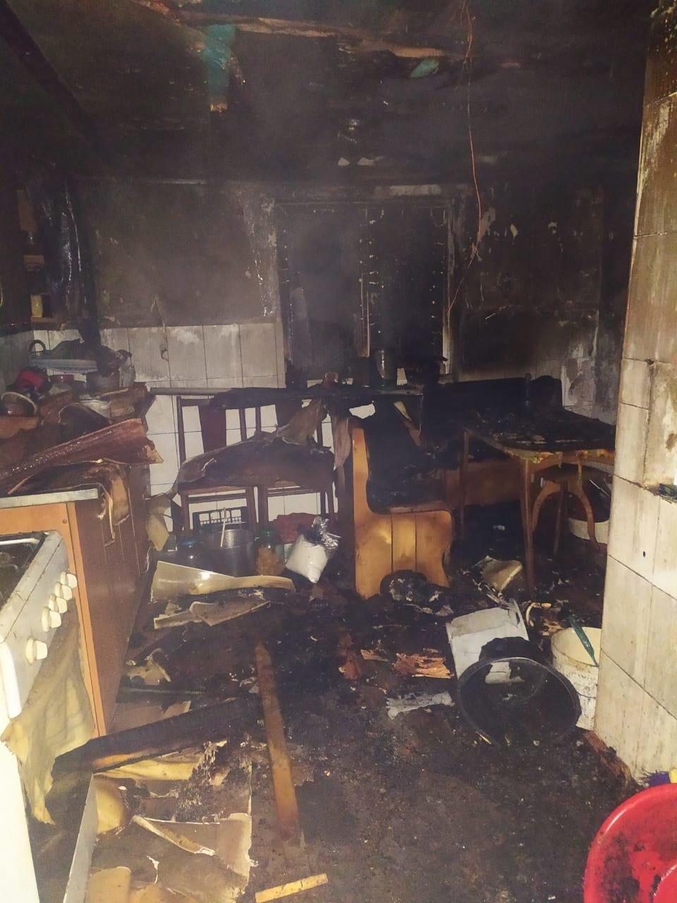 Корецький район: вогнеборці ліквідували пожежу в літній кухні (ФОТО), фото-3