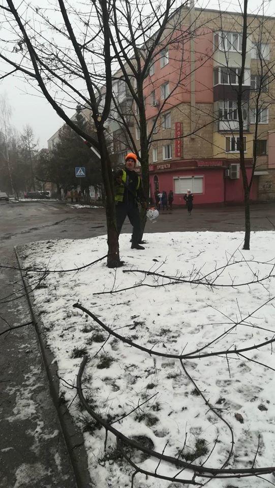 Сьогодні у Рівному облагородили три вулиці (ФОТО), фото-5