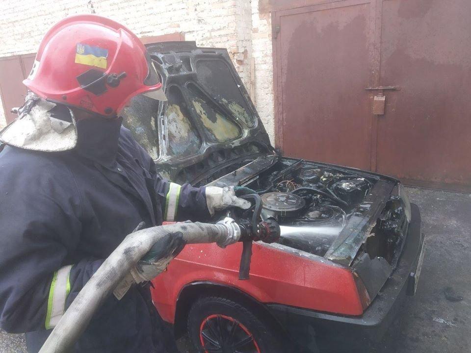 У Рівному згорів автомобіль (ФОТО), фото-1