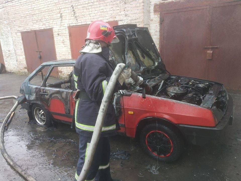 У Рівному згорів автомобіль (ФОТО), фото-4