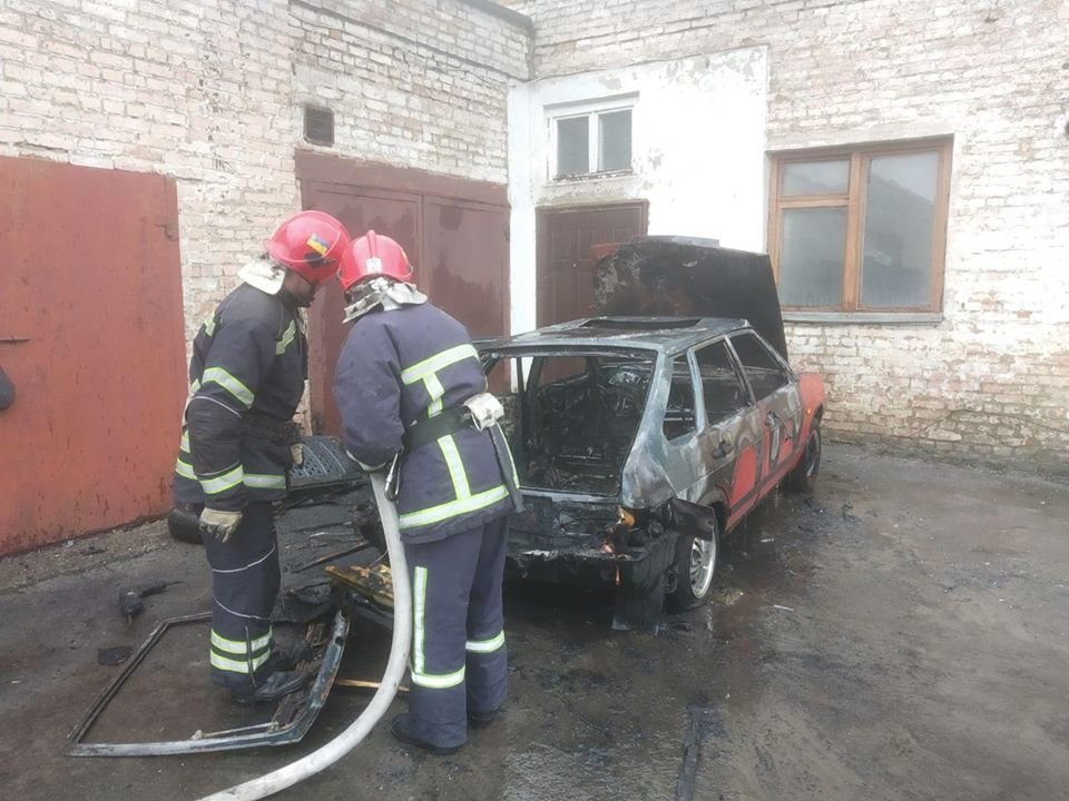 У Рівному згорів автомобіль (ФОТО), фото-5