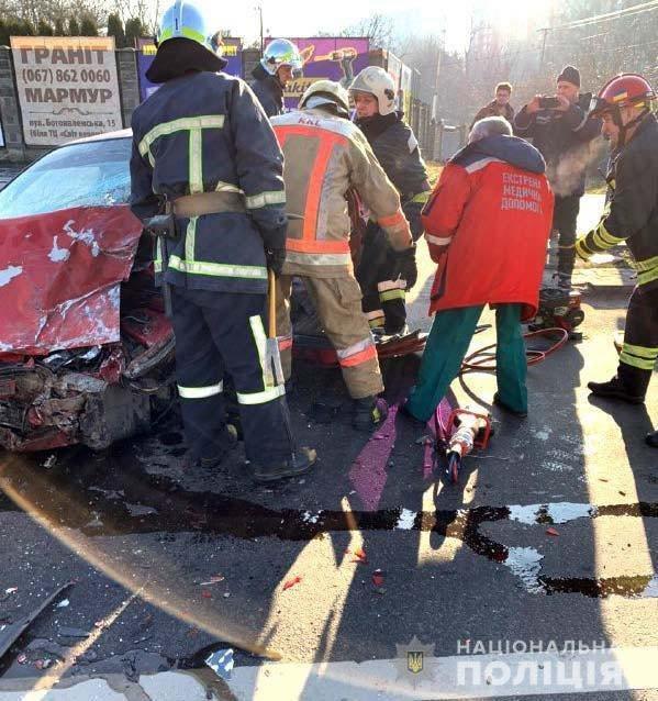 У поліції розповіли подробиці ДТП на Шухевича у Рівному (ФОТО), фото-3