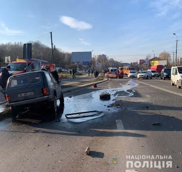У поліції розповіли подробиці ДТП на Шухевича у Рівному (ФОТО), фото-4