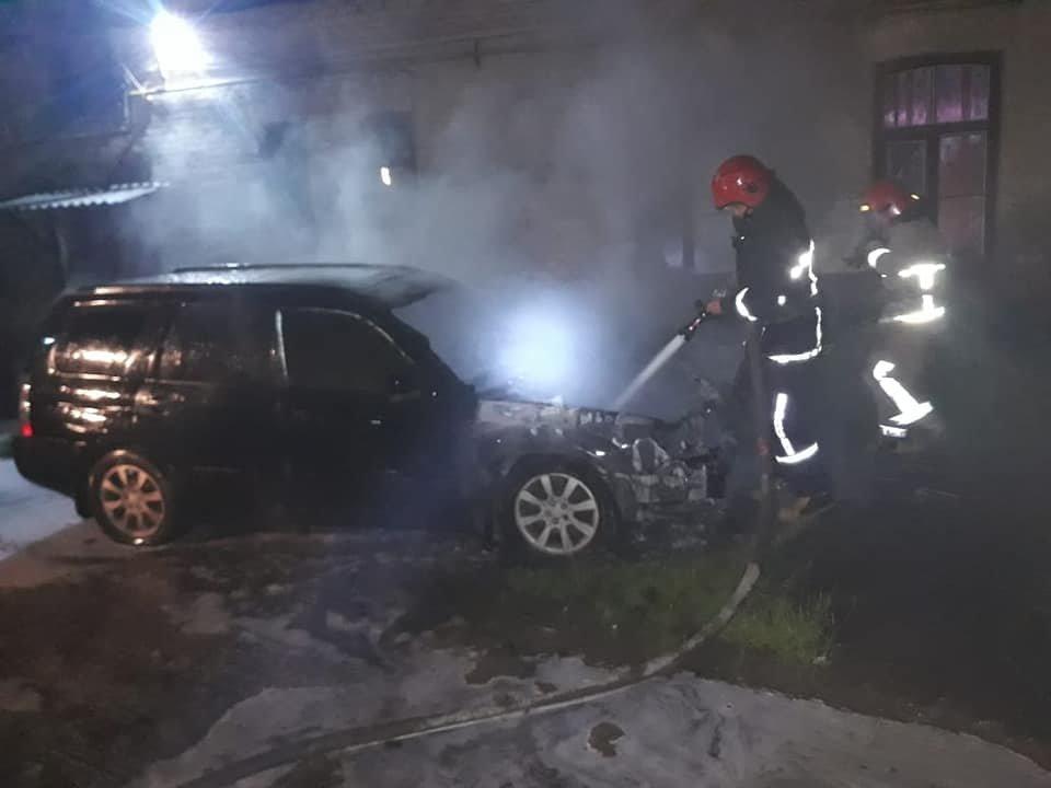 У Дубно чергова пожежа: знову горів легковик (ФОТО), фото-4