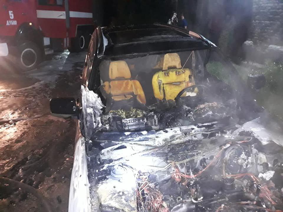 У Дубно чергова пожежа: знову горів легковик (ФОТО), фото-1
