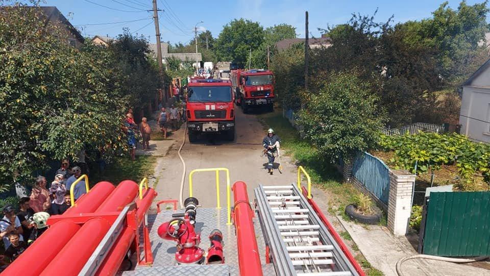 У Тинному пожежу в будинку намагаються загасити рятівники (ФОТО), фото-9