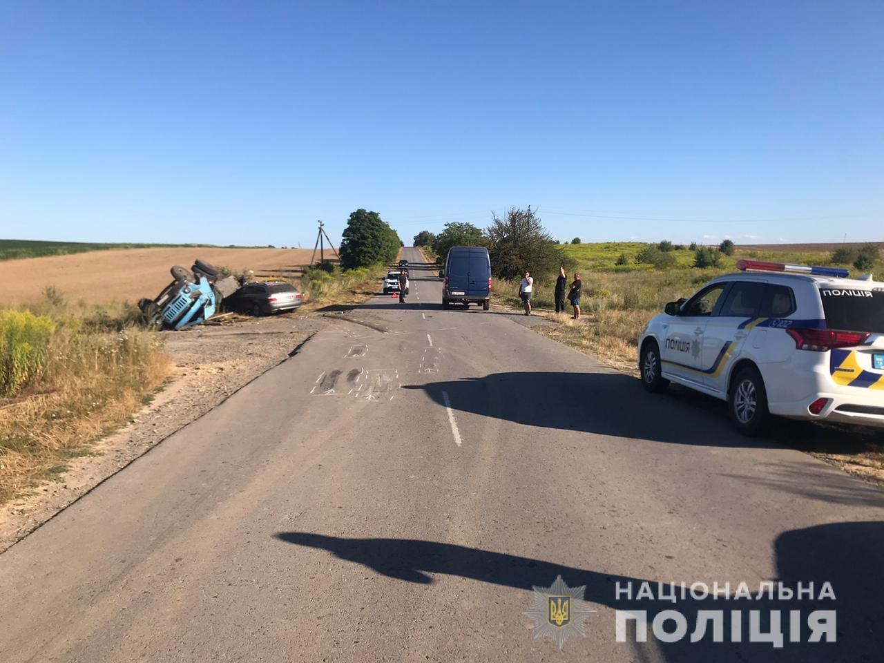 На Рівненщині легковик не пропустив вантажівку (ФОТО), фото-2