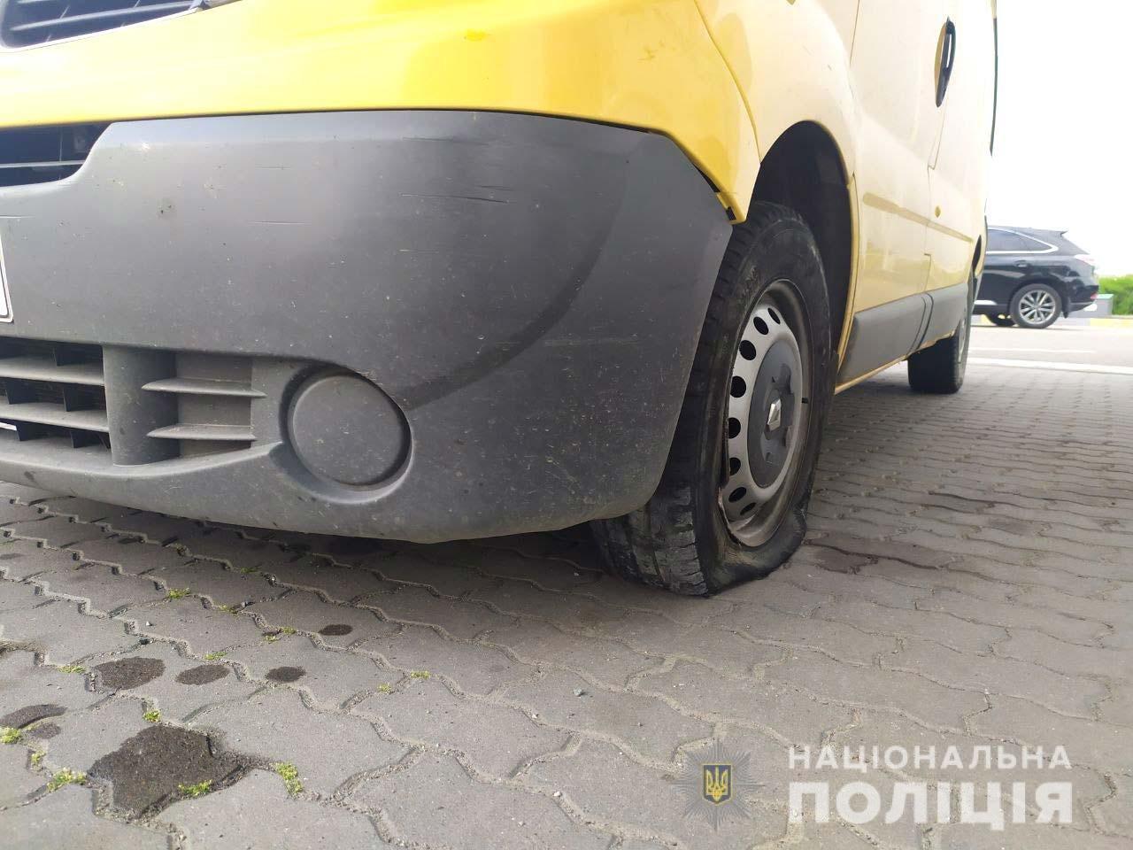На Здолбунівщині 20-річний парубок викрав авто у підприємця та втрапив в ДТП (ФОТО), фото-1