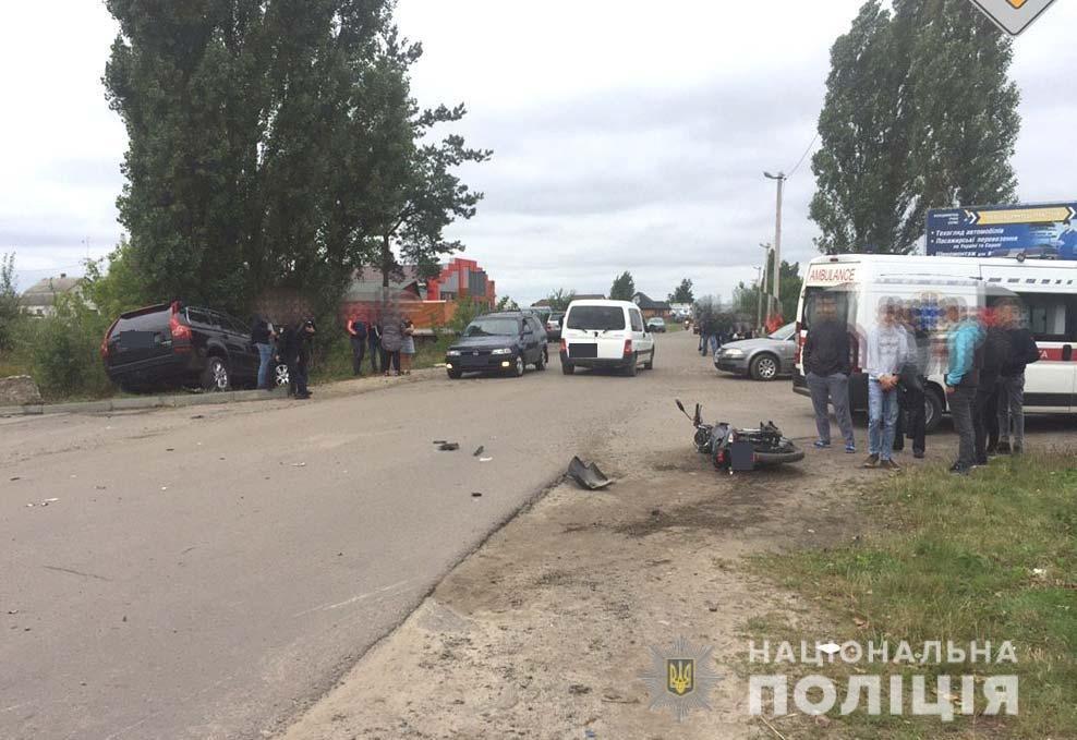 У Володимирці позашляховик збив юного мотоцикліста. Той у лікарні з переломом гомілки (ФОТО) , фото-1