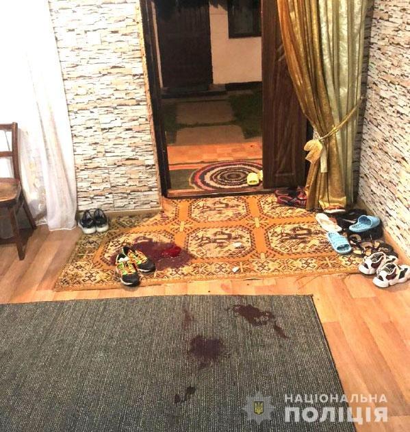 У Березному вітчим підрізав свого пасинка, бо той заступився за матір (ФОТО), фото-2