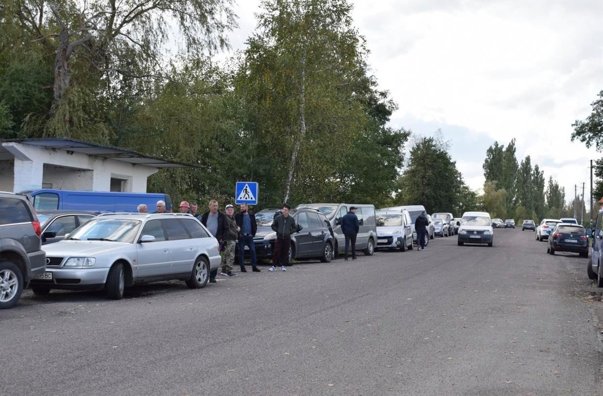 У Володимирці нещодавно відремонтована дорога б'є лобове скло автомобілям (ФОТО, ВІДЕО), фото-2