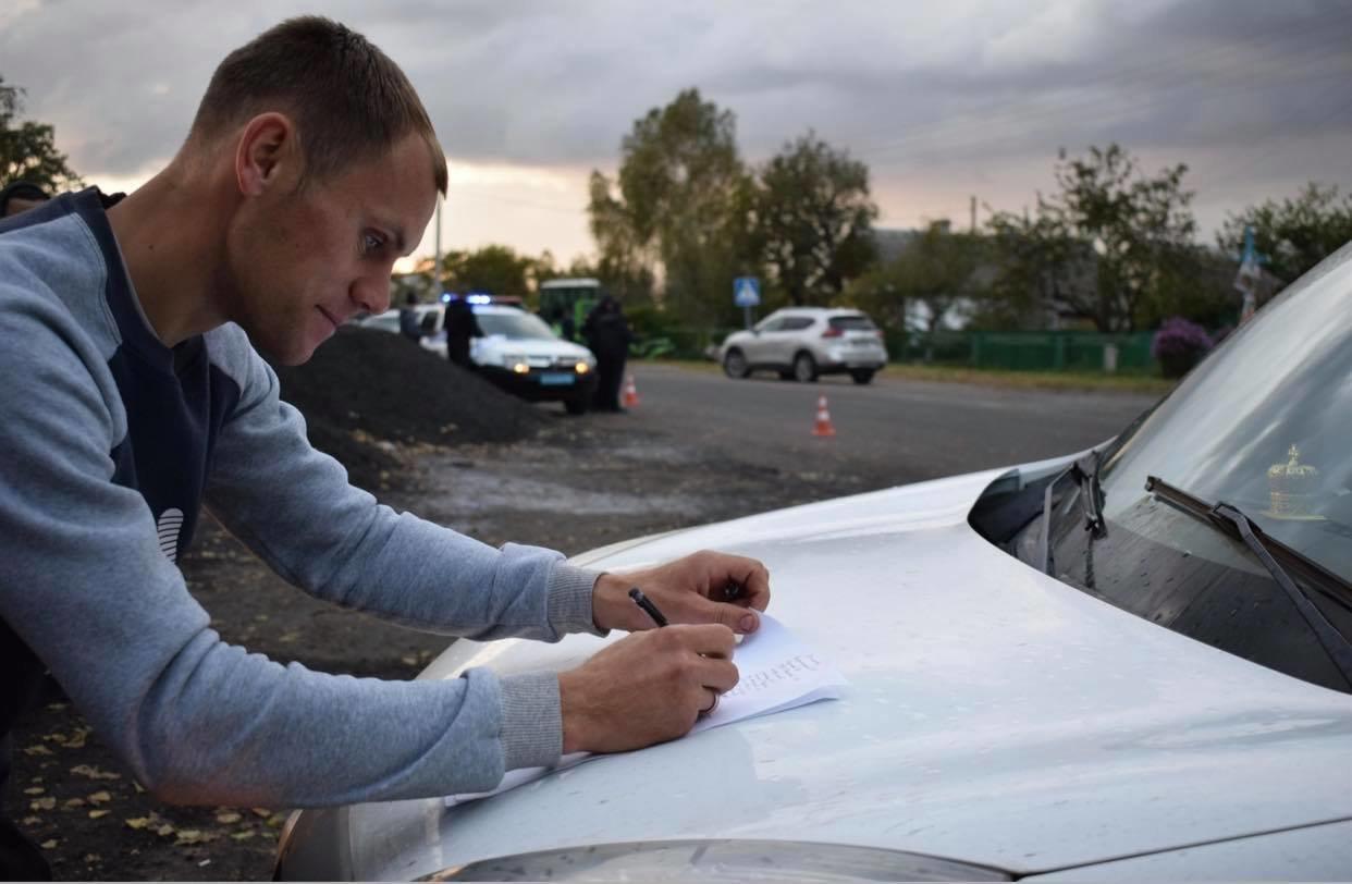 У Володимирці нещодавно відремонтована дорога б'є лобове скло автомобілям (ФОТО, ВІДЕО), фото-11