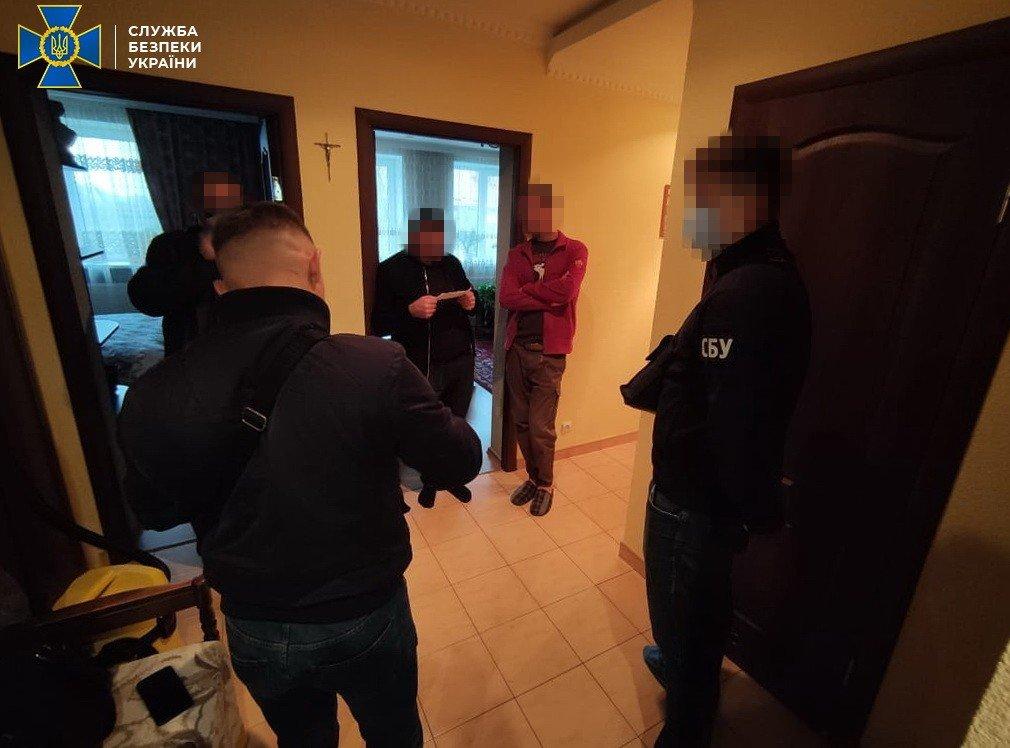 Контррозвідка СБУ викрила міжрегіональну групу, яка підробляла паспорти Євросоюзу (ФОТО), фото-1