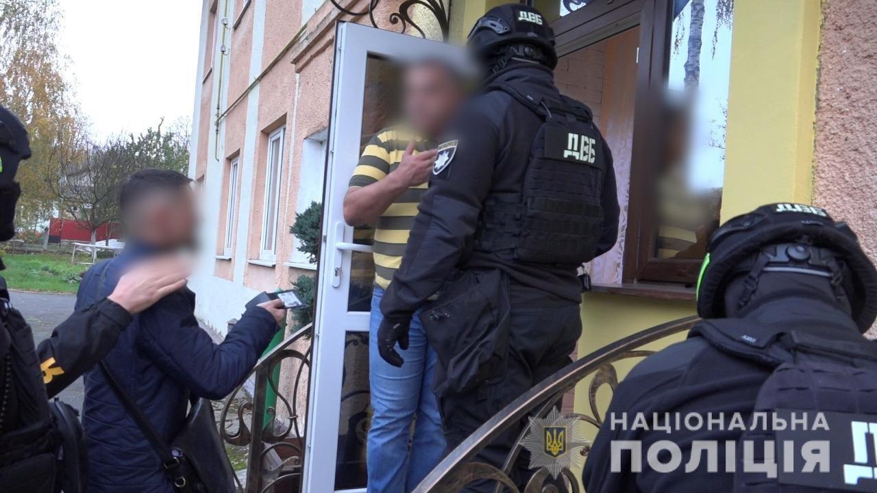 У Рівному начальнику поліції запропонували мільйон доларів США (ВІДЕО), фото-1