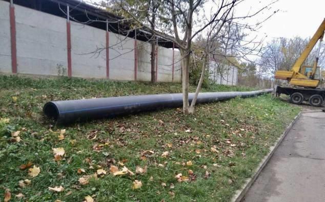 На вулиці студентський у Рівному завершили заміну аварійних ділянок водоводів (ФОТО), фото-5