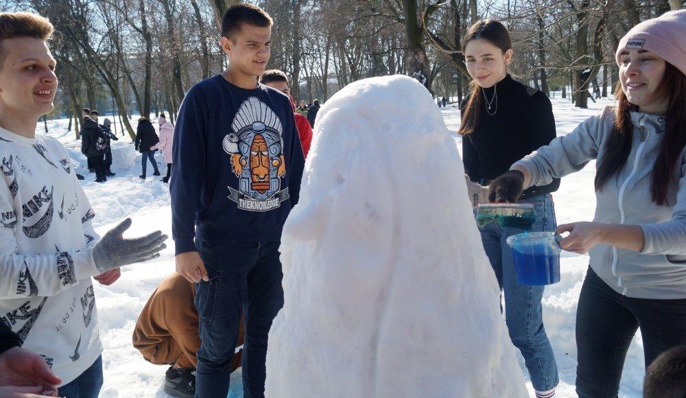 У Радивилові школярі ліпили снігові скульптури (ФОТО), фото-11