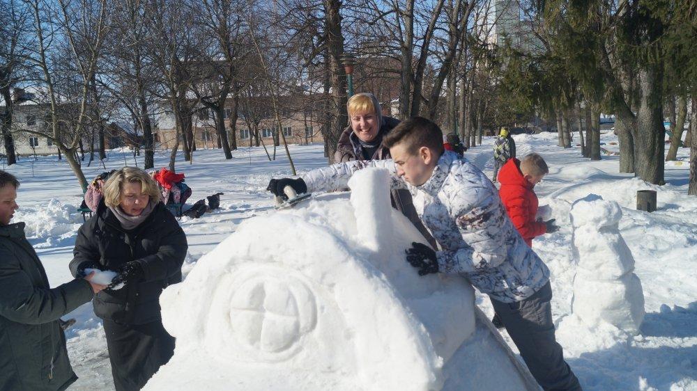 У Радивилові школярі ліпили снігові скульптури (ФОТО), фото-9