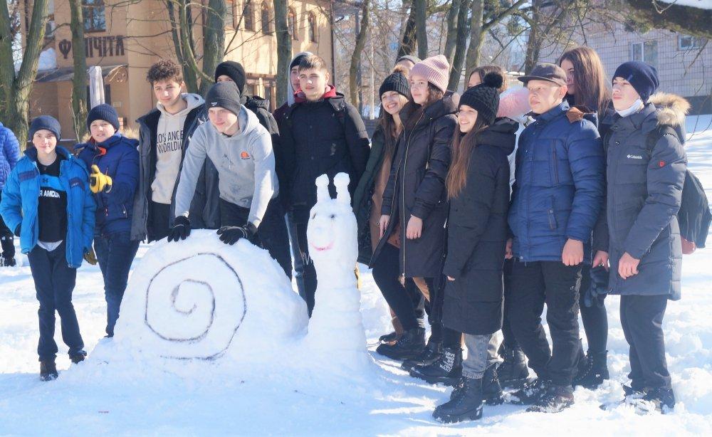 У Радивилові школярі ліпили снігові скульптури (ФОТО), фото-6
