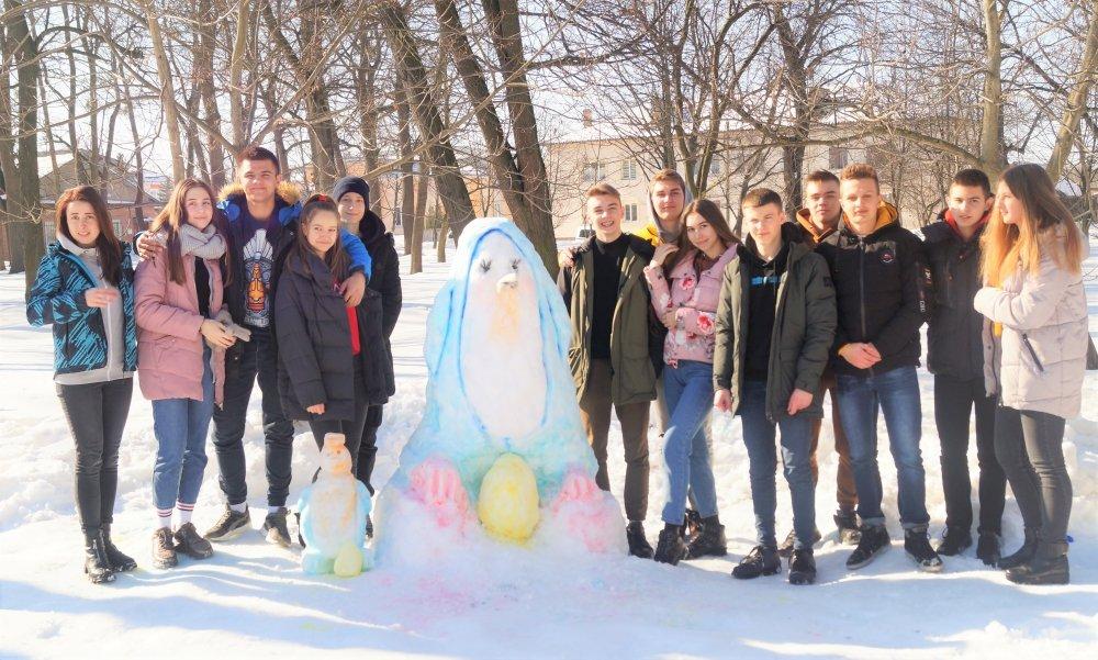 У Радивилові школярі ліпили снігові скульптури (ФОТО), фото-3