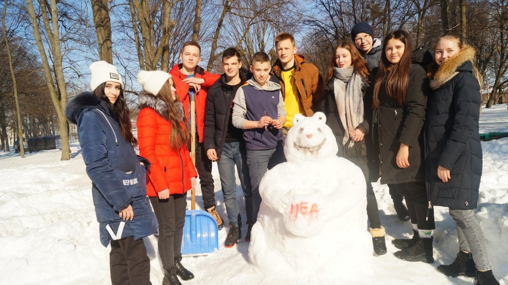 У Радивилові школярі ліпили снігові скульптури (ФОТО), фото-2