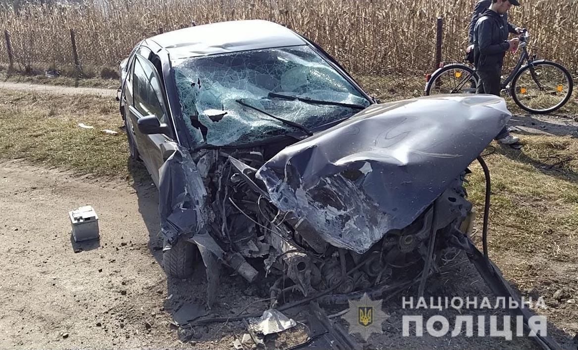 На Дубенщині сталася ДТП: скутерист загинув, а водійка легковика – у лікарні, фото-2