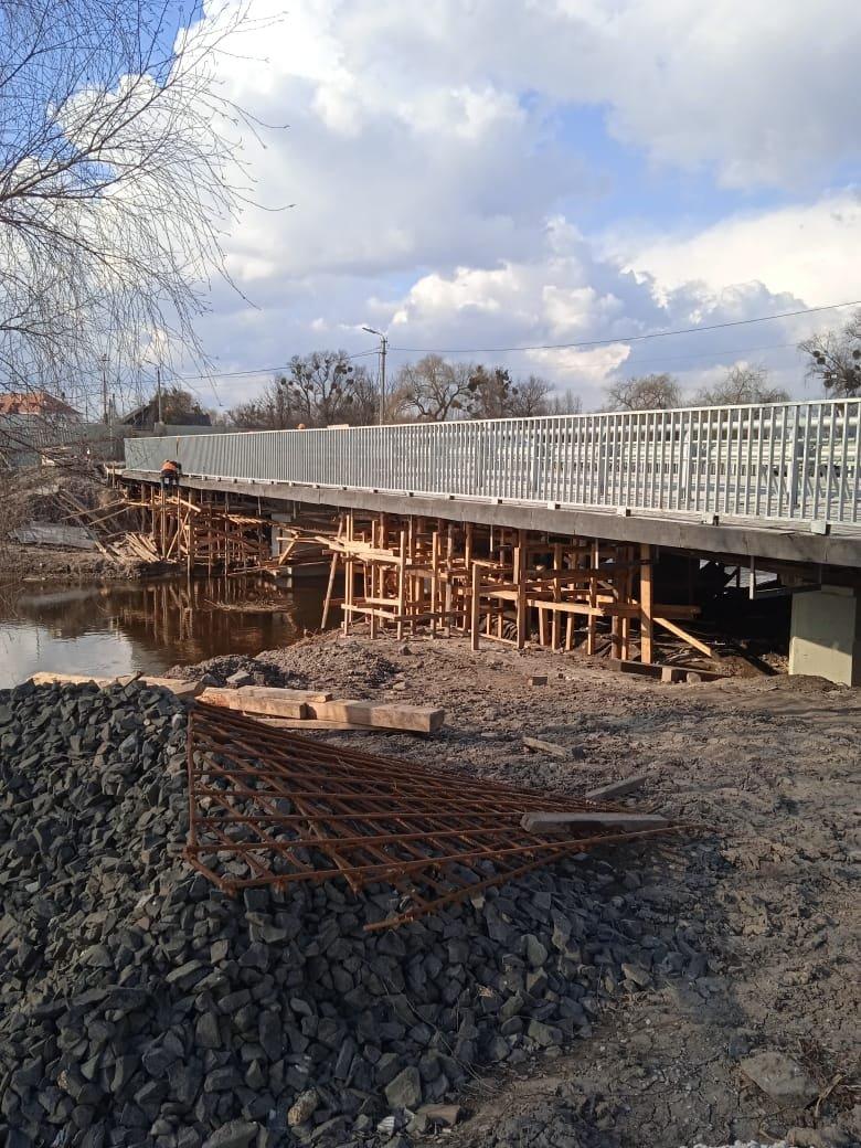 У Дубні знову розпочали ремонт мосту: обіцяють доробити в цьому році, фото-1